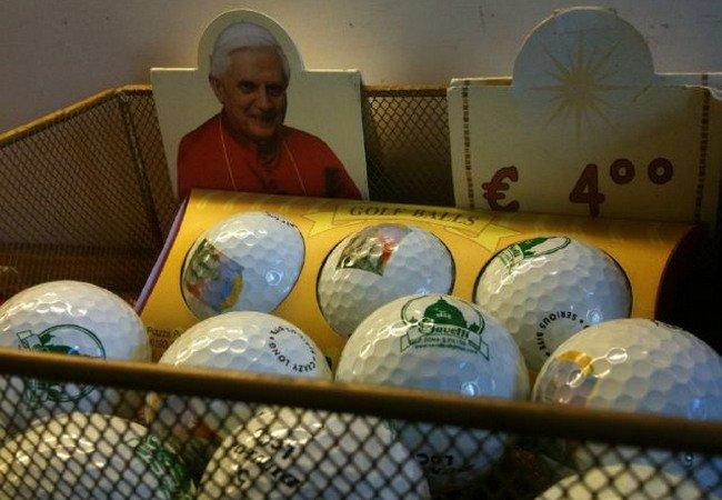 bolas-de-golf-papa-benedicto